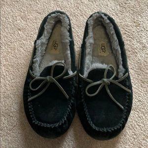 Only worn once Black UGG AUSTRALIA MOCCASINS